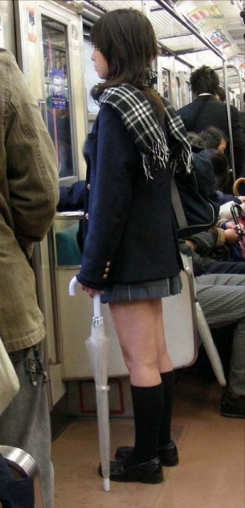電車通学してるJKの油断した瞬間を激写した盗撮画像まとめ No.11