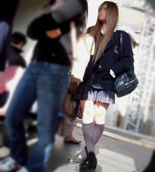 電車通学してるJKの油断した瞬間を激写した盗撮画像まとめ No.18