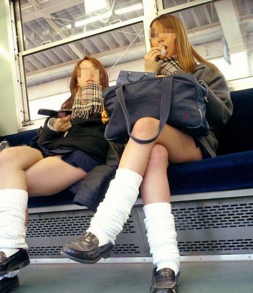 電車通学してるJKの油断した瞬間を激写した盗撮画像まとめ No.20