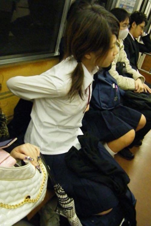 電車通学してるJKの油断した瞬間を激写した盗撮画像まとめ No.29