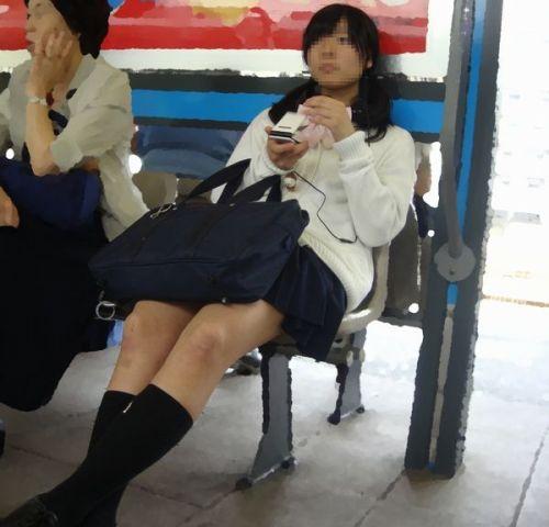 電車通学してるJKの油断した瞬間を激写した盗撮画像まとめ No.38