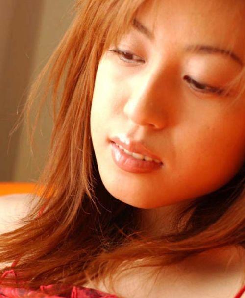 30代男性の伝説的AV女優の及川奈央(おいかわなお)のエロ画像 82枚 No.25