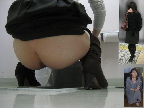 和式トイレの盗撮画像がお尻丸出しでエロ過ぎるわ 39枚 part.2 No.36