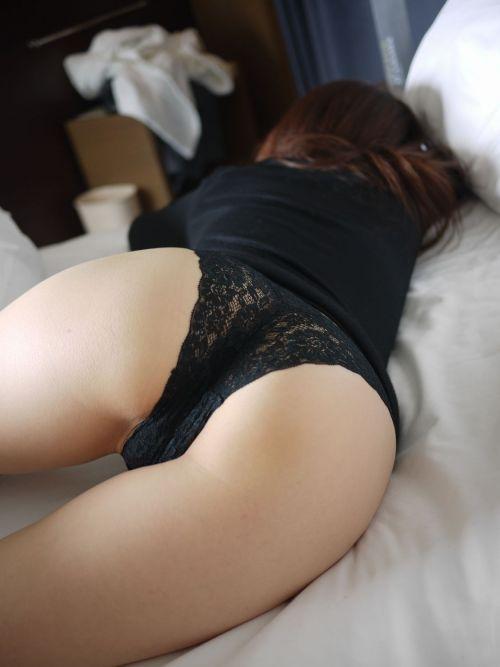 【盗撮画像】パンティ丸出しで寝てる女の子のお尻がエロ過ぎる! 37枚 No.26