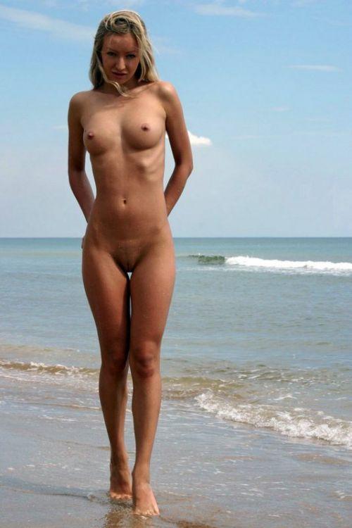 【盗撮画像】全裸外国人のヌーディストビーチがエロ過ぎ! 39枚 part.8 No.30
