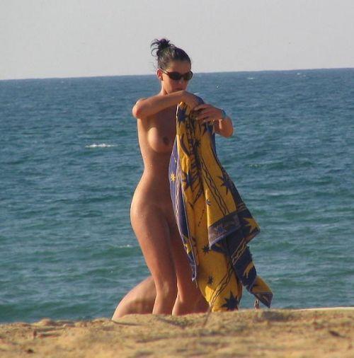 【盗撮画像】全裸外国人のヌーディストビーチがエロ過ぎ! 39枚 part.8 No.38