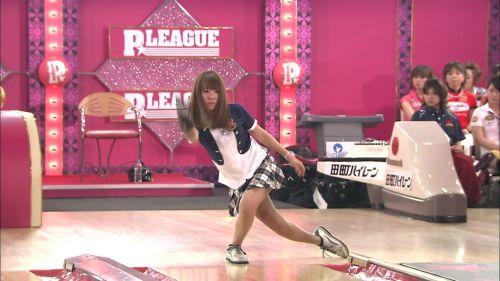 【エロ画像】ボーリング投球中という新たなパンチラスポットまとめ 31枚 No.29