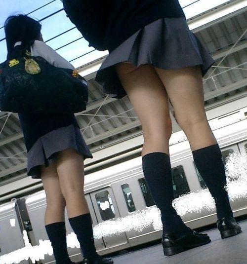 生足に色々な靴下履いたJKを盗撮したエロ画像まとめ No.12