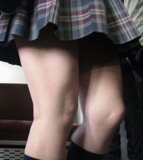 生足に色々な靴下履いたJKを盗撮したエロ画像まとめ No.20