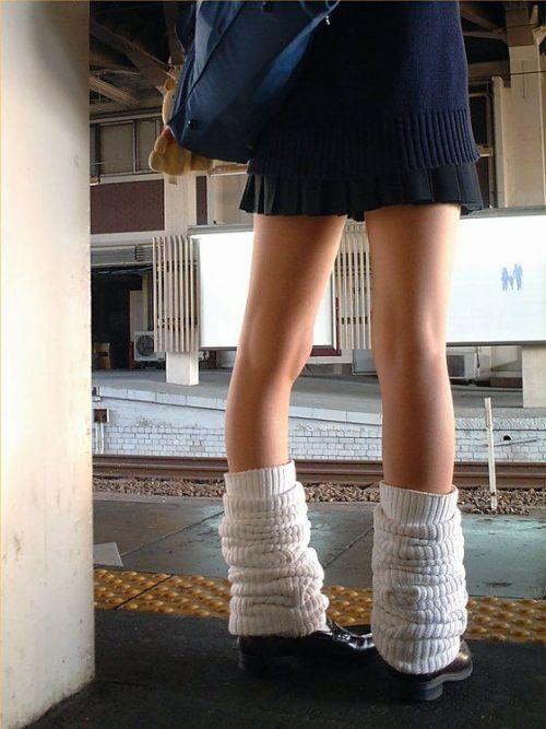 生足に色々な靴下履いたJKを盗撮したエロ画像まとめ No.37