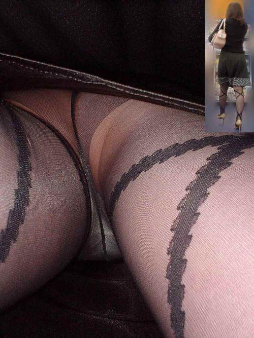 【画像】街中でOLさん達のスカートを逆さ撮り盗撮! 41枚 part.2 No.26