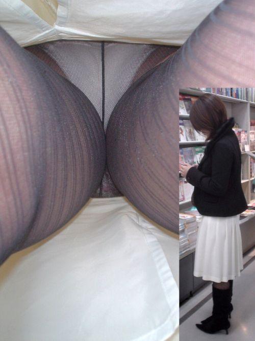 【画像】街中でOLさん達のスカートを逆さ撮り盗撮! 41枚 part.2 No.34