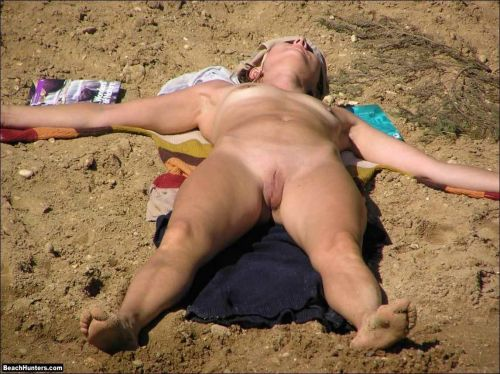 【盗撮画像】日本にはないヌーディストビーチがエロ過ぎワロリンヌ! No.25