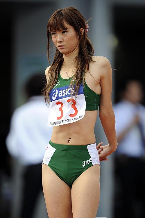 ガチで腹筋が割れてる女の子って筋肉質でエロいよな! 36枚 No.10