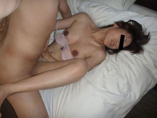 【画像】熟女を乱暴にハメ倒す正常位セックスがエロ過ぎだわ^^ 42枚 No.29