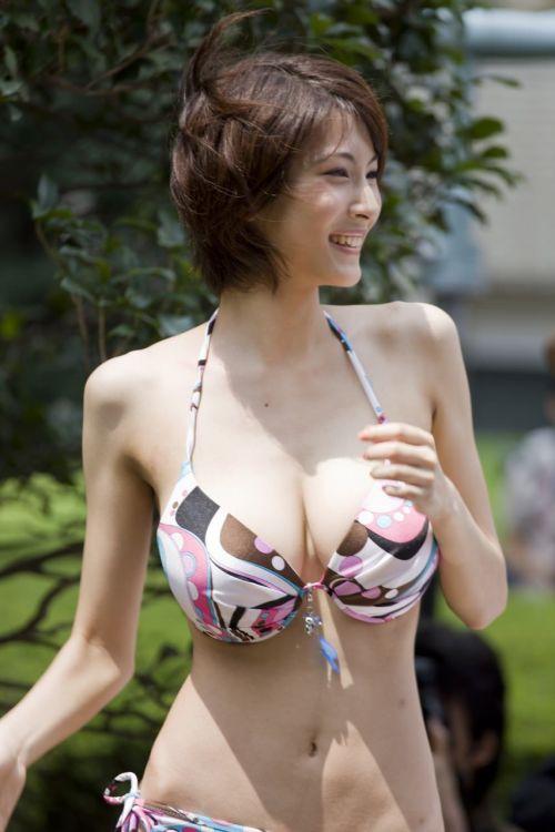 華奢でガリに巨乳という体型の画像がエロ過ぎwww 32枚 No.2