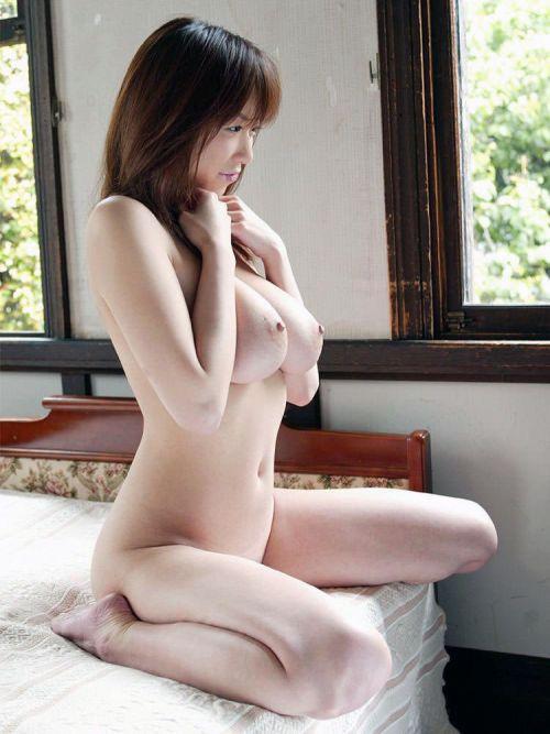 華奢でガリに巨乳という体型の画像がエロ過ぎwww 32枚 No.10