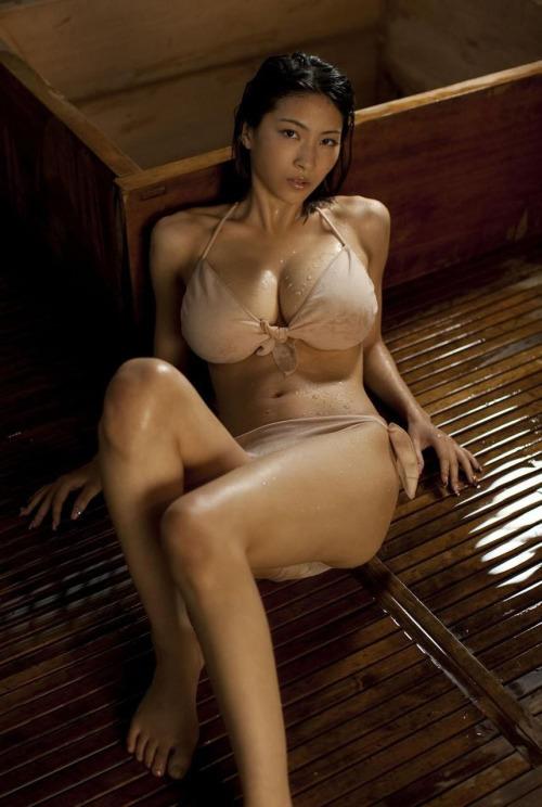 華奢でガリに巨乳という体型の画像がエロ過ぎwww 32枚 No.26