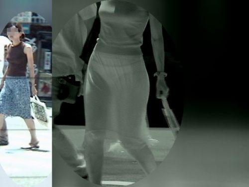 【盗撮エロ画像】赤外線カメラで街撮りしたらパンティ透視状態だわwww 31枚 No.1