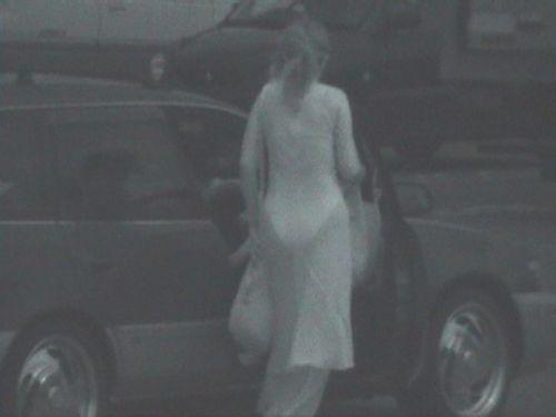 【盗撮エロ画像】赤外線カメラで街撮りしたらパンティ透視状態だわwww 31枚 No.11