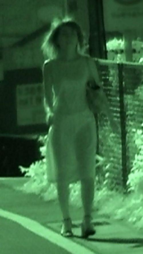 【盗撮エロ画像】赤外線カメラで街撮りしたらパンティ透視状態だわwww 31枚 No.16