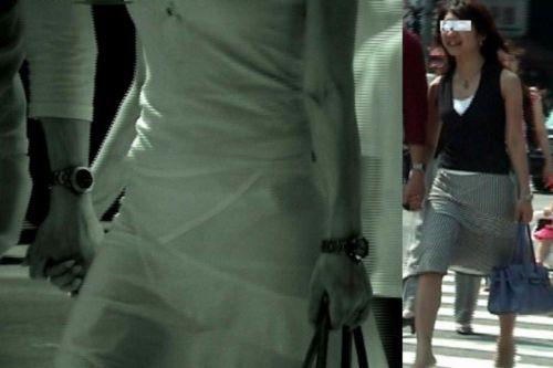 【盗撮エロ画像】赤外線カメラで街撮りしたらパンティ透視状態だわwww 31枚 No.19