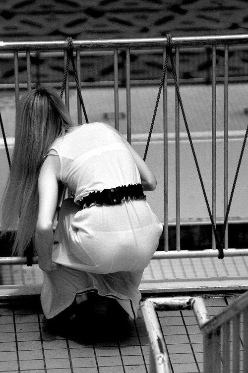 【盗撮エロ画像】赤外線カメラで街撮りしたらパンティ透視状態だわwww 31枚 No.27