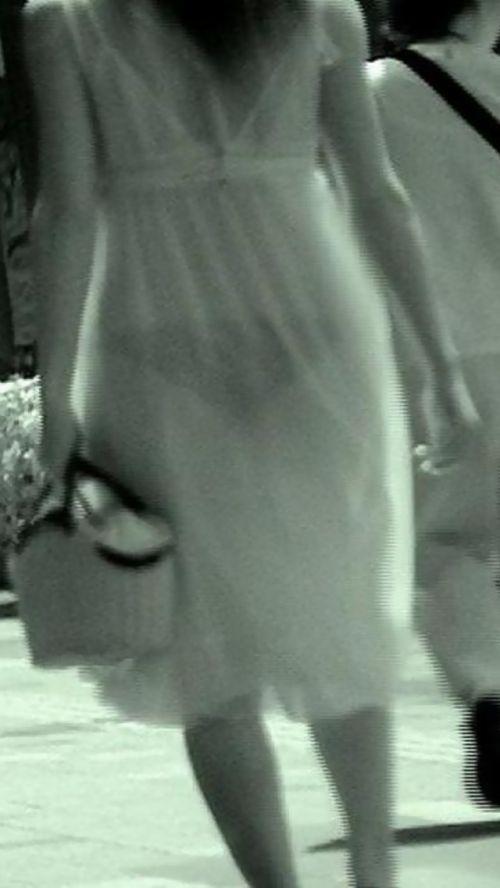 【盗撮エロ画像】赤外線カメラで街撮りしたらパンティ透視状態だわwww 31枚 No.31