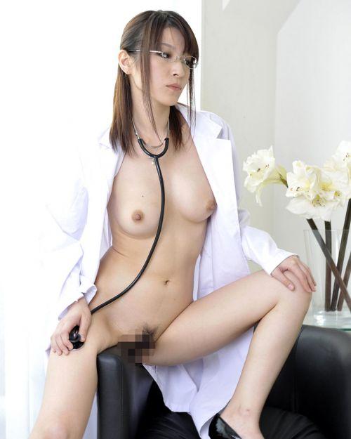 白衣を着たエッチな女医さんと色々しちゃうエロ画像 32枚 No.12