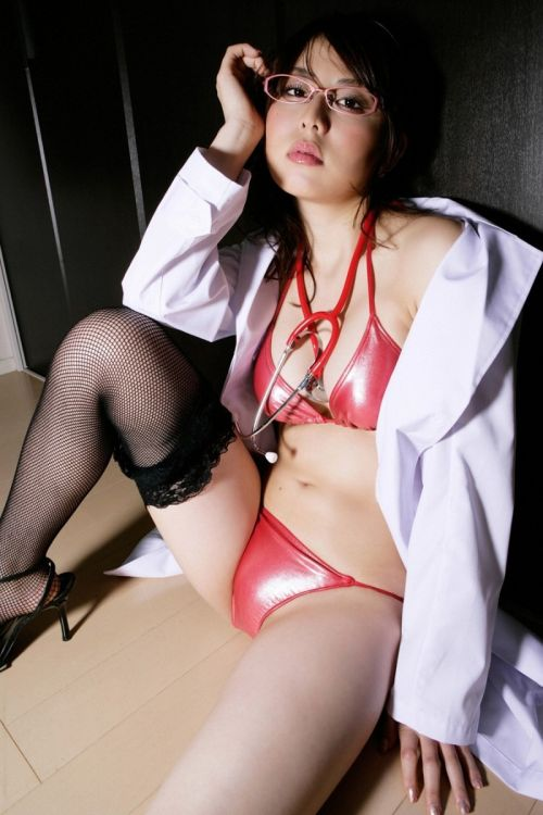 白衣を着たエッチな女医さんと色々しちゃうエロ画像 32枚 No.19