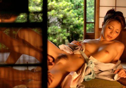 浴衣の股間が丸出しになってるエロ画像まとめ 33枚 No.21