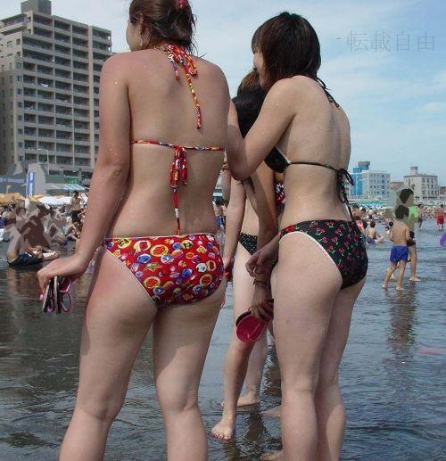 【盗撮画像】水着姿の大きなお尻や小さなお尻をエロ目線でまとめたよ 35枚 No.24