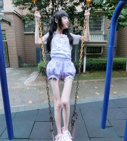 【画像】ガリ貧乳というガリガリに痩せた女の子凄すぎwww 34枚 No.19