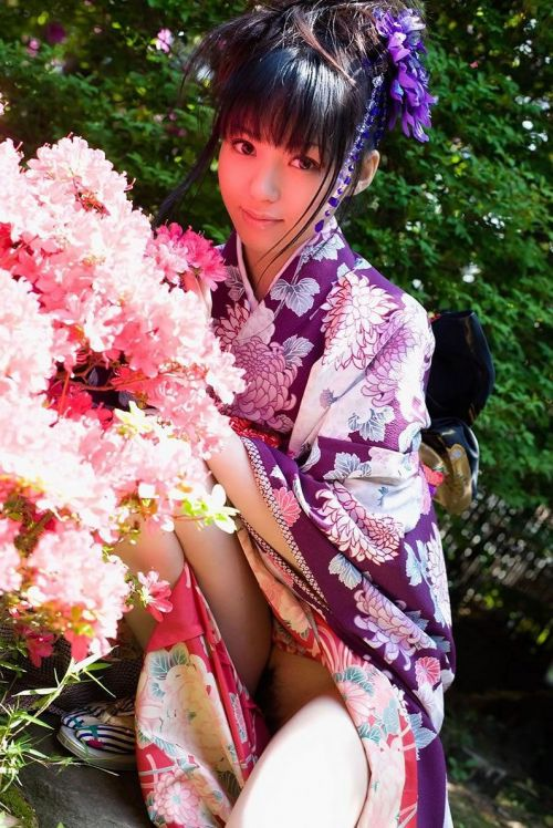 【画像】ノーパン・ノーブラの着物を着た和服美人がエロ過ぎww 34枚 No.11