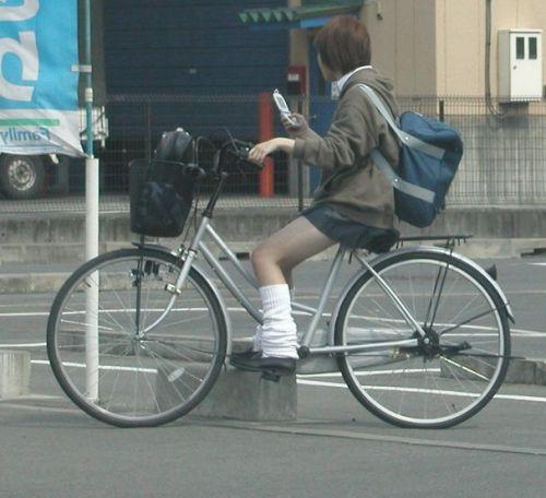 JKの自転車パンチラ盗撮画像集めたから貼っていくわ! 42枚 part.2 No.12