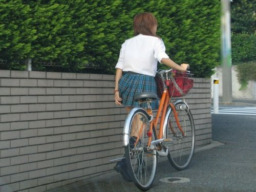 JKの自転車パンチラ盗撮画像集めたから貼っていくわ! 42枚 part.2 No.33