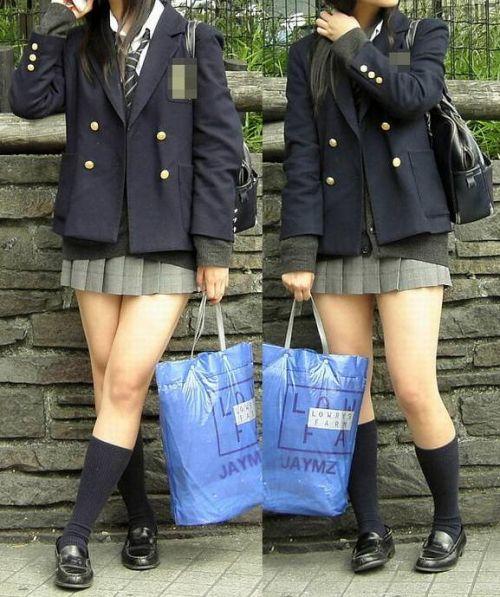 ルーズソックスを履いた女子校生のフレッシュな太もものエロ画像 No.17