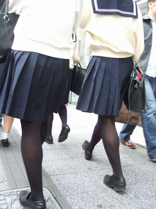 女子校生のミニスカに黒タイツが清楚かつエロく見える件 37枚 No.7