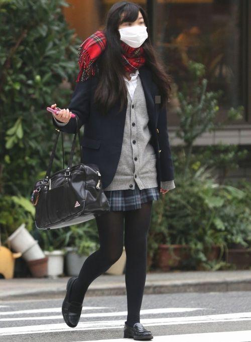 女子校生のミニスカに黒タイツが清楚かつエロく見える件 37枚 No.11
