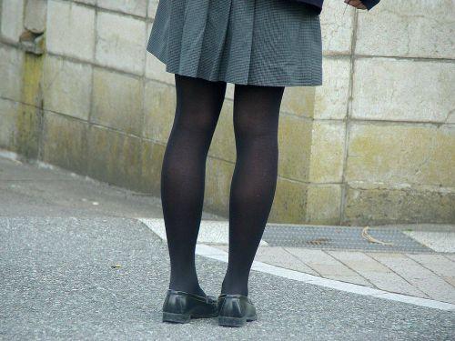 女子校生のミニスカに黒タイツが清楚かつエロく見える件 37枚 No.15