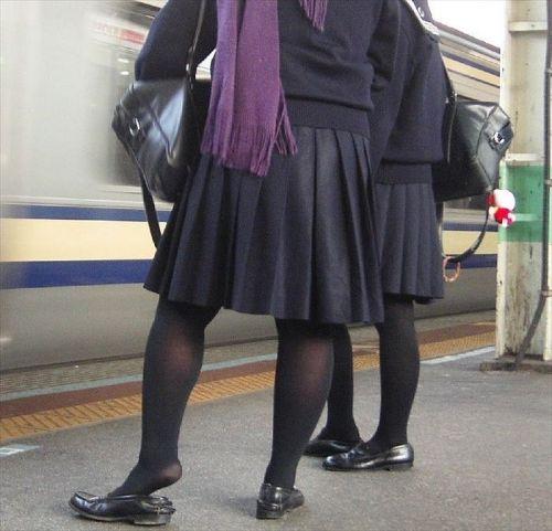 女子校生のミニスカに黒タイツが清楚かつエロく見える件 37枚 No.27