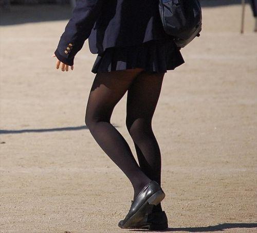 女子校生のミニスカに黒タイツが清楚かつエロく見える件 37枚 No.34