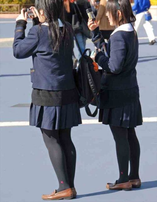 女子校生のミニスカに黒タイツが清楚かつエロく見える件 37枚 No.37