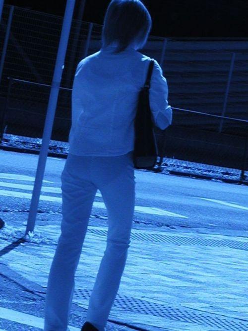 【画像】どんなパンティ履いてるか気になったら赤外線盗撮一択www 31枚 No.3