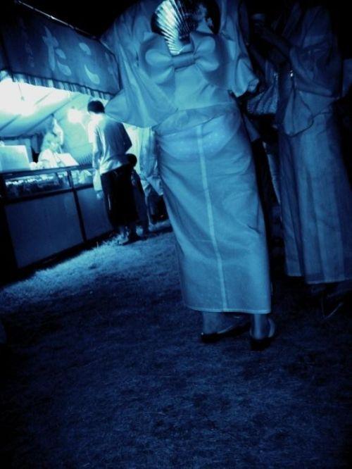 【画像】どんなパンティ履いてるか気になったら赤外線盗撮一択www 31枚 No.10