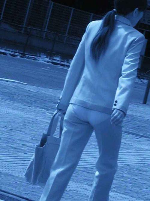 【画像】どんなパンティ履いてるか気になったら赤外線盗撮一択www 31枚 No.12