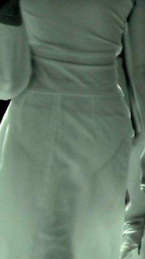 【画像】どんなパンティ履いてるか気になったら赤外線盗撮一択www 31枚 No.22