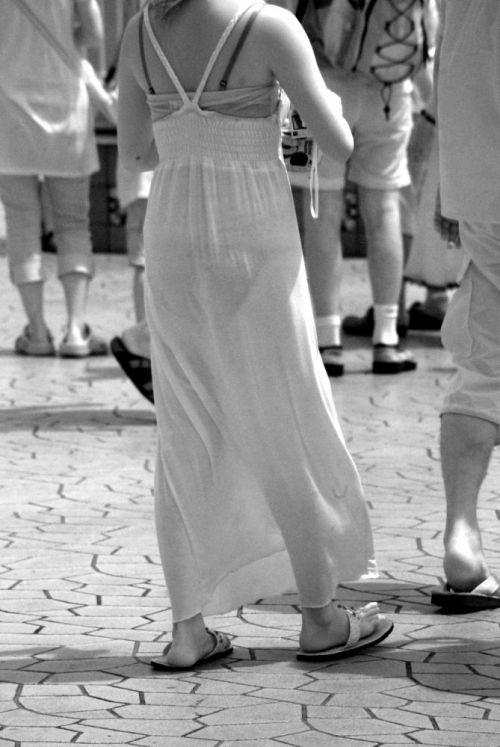 【画像】どんなパンティ履いてるか気になったら赤外線盗撮一択www 31枚 No.30