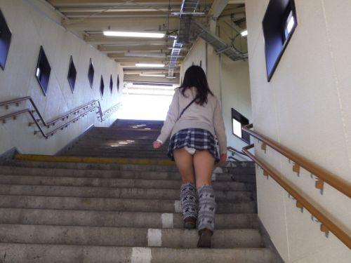 女子校生の階段パンチラ画像がエロ過ぎワロリンww 31枚 No.1