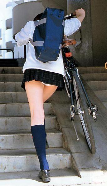 女子校生の階段パンチラ画像がエロ過ぎワロリンww 31枚 No.12